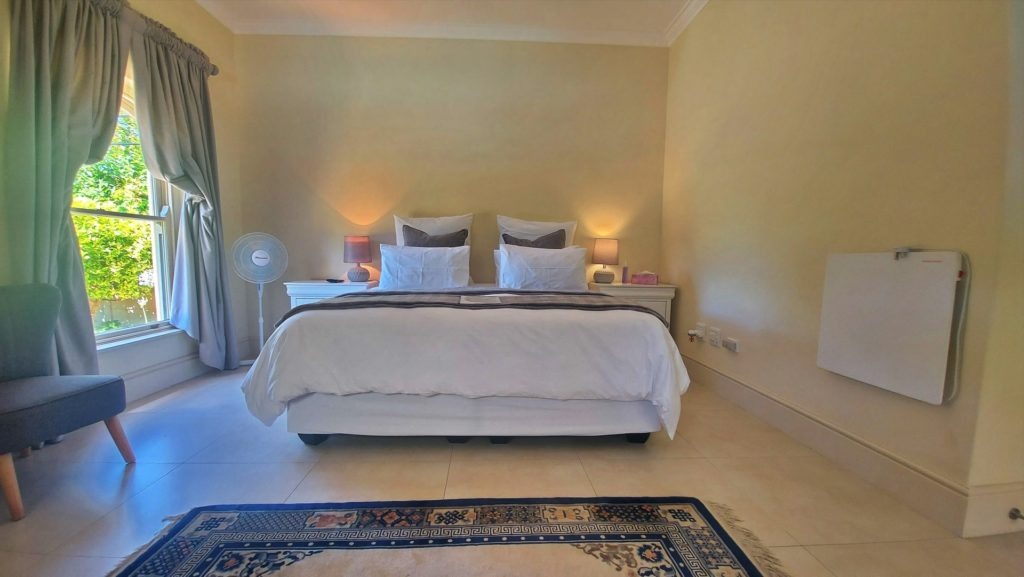 Lavender Room @ Rustic Manor Guest House